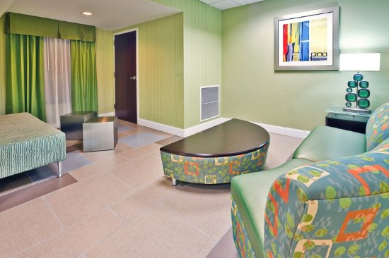 Holiday Inn Express Hotel & Suites Brentwood North-Nashville Area: Lobby Lounge