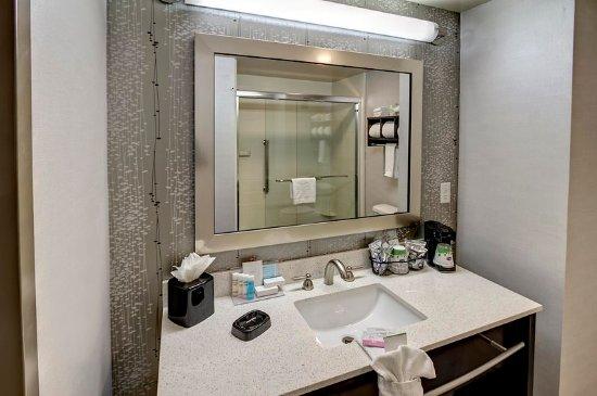 คุกวิลล์, เทนเนสซี: Guest Bathroom