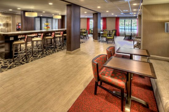 Cookeville, TN: Lobby Gathering Area