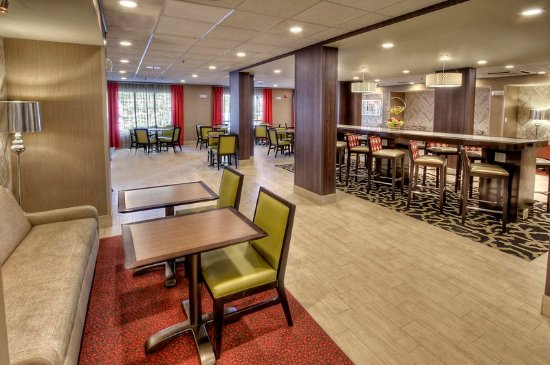 Cookeville, TN: Lobby Dining Area