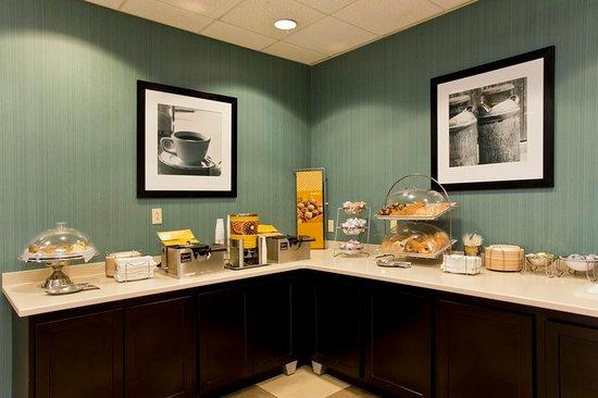 Front Royal, VA: Pastries and Waffle Station