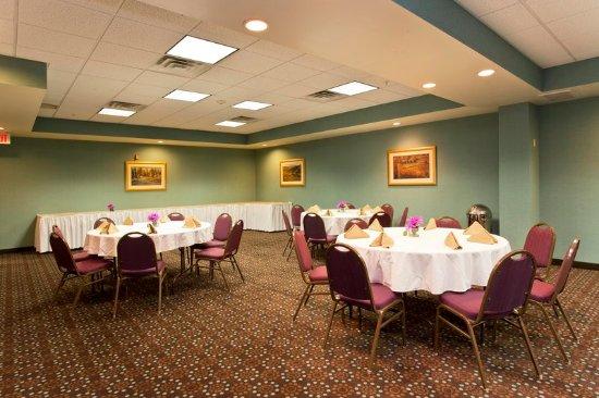 Front Royal, VA: Banquet Room