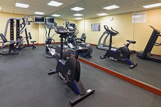 Totowa, NJ: Fitness Center