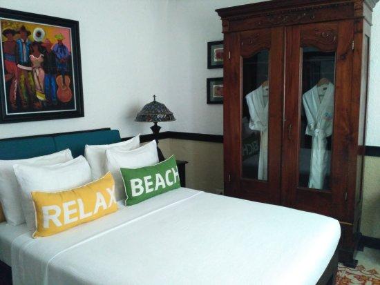 Casa Sirena Hotel: IMG_20170927_161703_large.jpg