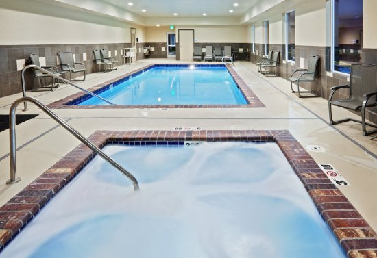Sumner, WA: Indoor Heated Swimming Pool