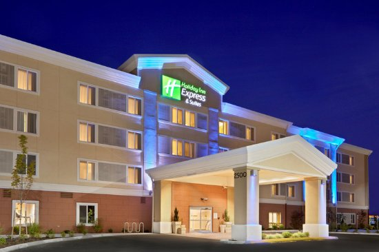 Holiday Inn Express Sumner hotel exterior