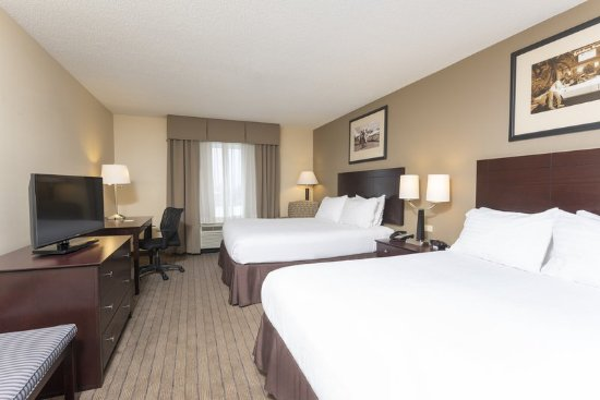 Aurora, IL: Two Queen Bedded Guest Room