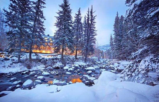 Vail Residences at Hotel Talisa : Vail Cascade Exterior Winter Gore Creek
