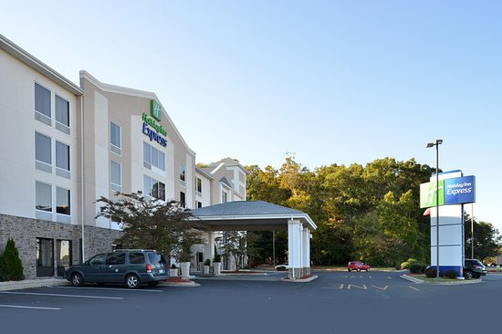 Holiday Inn Express Seaford-Route 13: Hotel Exterior