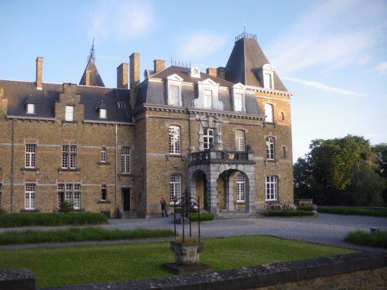 chateau de la poste updated 2017 hotel reviews price comparison assesse belgium tripadvisor. Black Bedroom Furniture Sets. Home Design Ideas