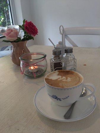 karlottas kaffee lieblingskram bad honnef restaurantbeoordelingen tripadvisor. Black Bedroom Furniture Sets. Home Design Ideas