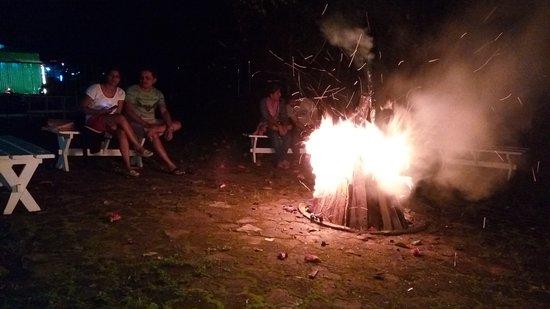 Westwood Riverside Garden Resorts: Awsme campfire