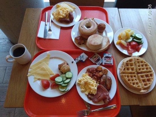Hampton by Hilton London Waterloo: Breakfast
