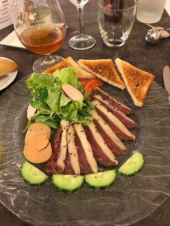Vaiges, Frankreich: Le chef est extraordinaire dans ces choix de produits locaux.