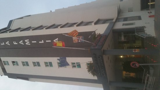 Hotel La Familia Gallo Rojo