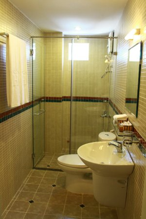 Little Saigon Boutique Hotel: Bathroom