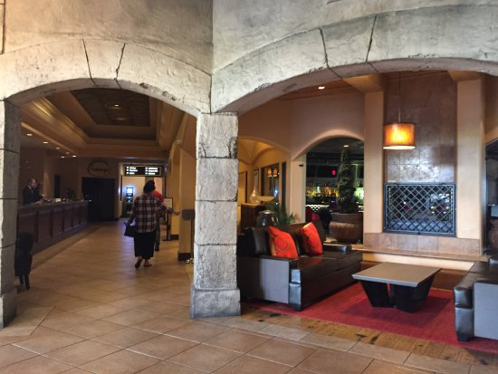 Tuscany Suites & Casino: going to the check in area