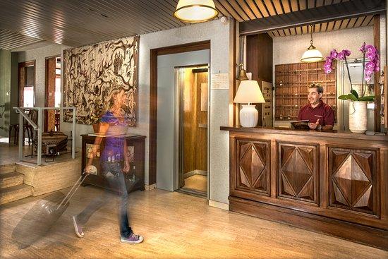 Hôtel du Commerce : reception de l'hôtel
