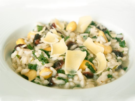 Risotto with Kale, Cranberries and Cashew nuts