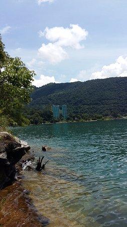 Hotel La Riviera de Atitlán: Ballade en kayak sur le lac - Baignade - Vue sur l'hôtel