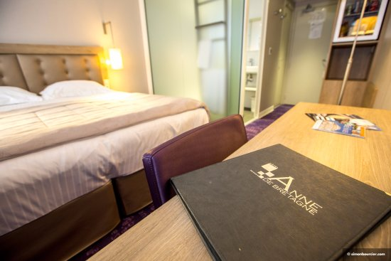 Chambre twin photo de hotel anne de bretagne rennes for Chambre twin