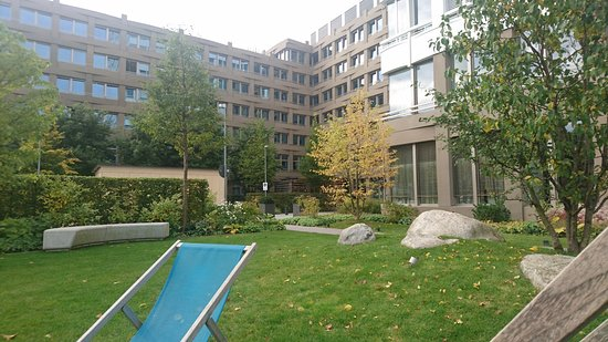 Motel One Munich - Campus: No towels required here