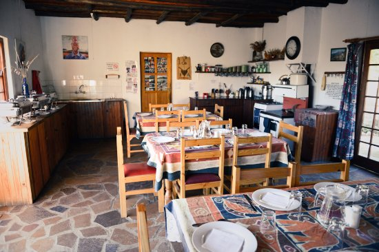 Morija, Lesotho: Salle a manger/dining-room (1)