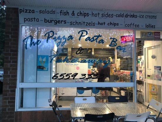 Diamond Beach, ออสเตรเลีย: Name change to the pizza pasta bar