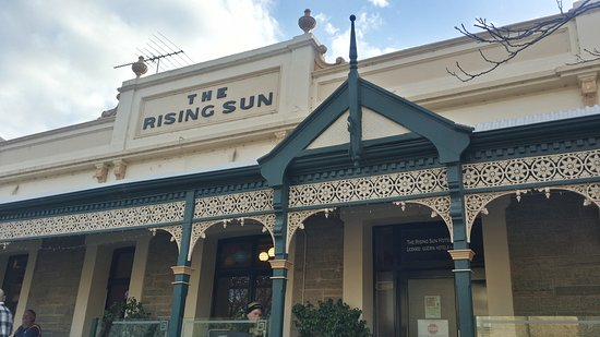Auburn, Australië: Rising Sun