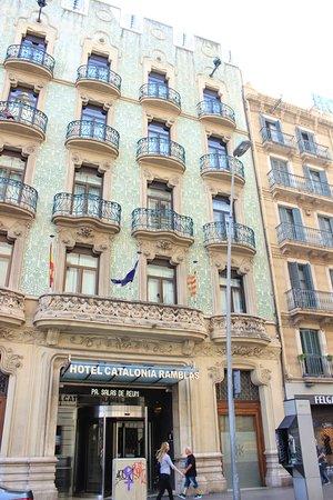 Devanture de l'hôtel Catalonia Ramblas de Barcelone