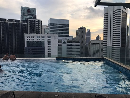 Fraser Place Kuala Lumpur: Amazing infinity pool with spectacular city views on 18th floor