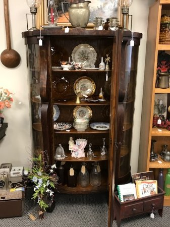 Seaford, DE: Late 1800's bow front curio cabinet