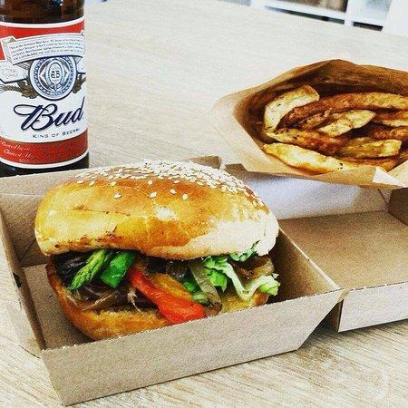 Durfort-et-Saint-Martin-de-Sossenac, Франция: R'stream burger
