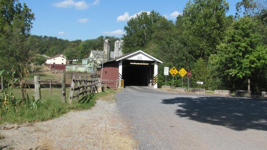 Strasburg, PA: One of the covered bridges.............beautiful coutryside.