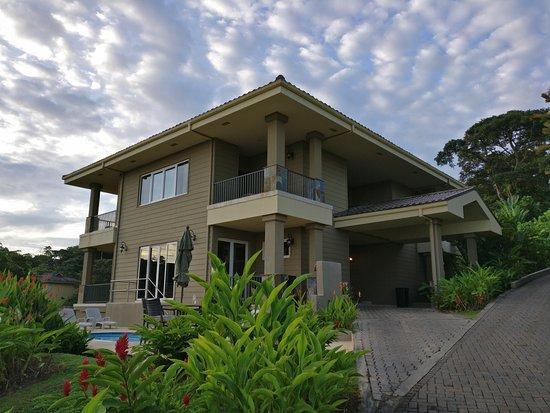 Red Frog Beach Island Resort: 5 bedroom villa from outside