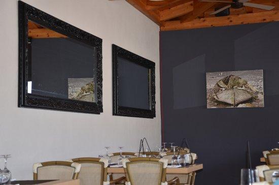 Dolcemare : La salle à manger et la terrasse qui donne sur le port