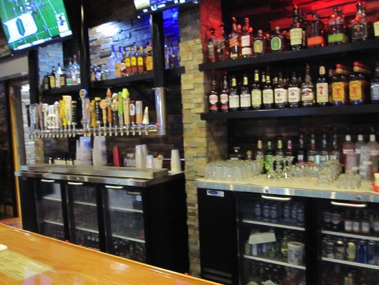 Somerset, WI: More back bar