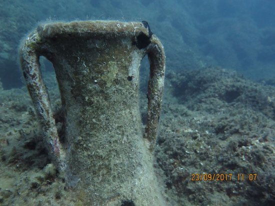 Platanias, اليونان: amfore