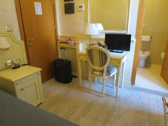 Cabina Doccia Senza Piatto.Box Doccia Senza Piatto Picture Of Hotel Des Bains Pesaro