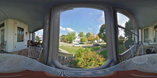 Wabash, IN: Guest's Porch (screened-in)