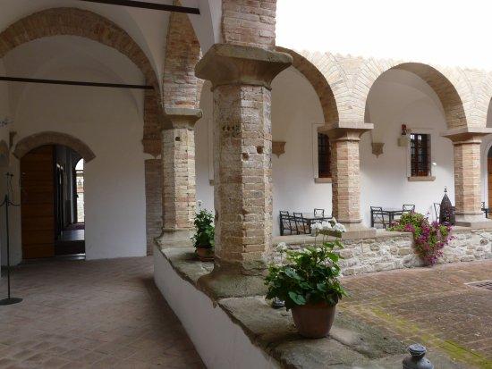 Frontino, Italia: Chiostro
