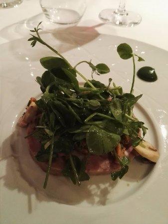 Savonnieres, Frankrike: carpaccio museau et pied de porc confit au foie gras