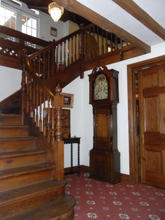 Betws Garmon, UK : hallway