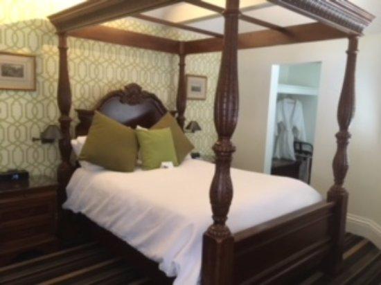 The Bergson: Comfy Room