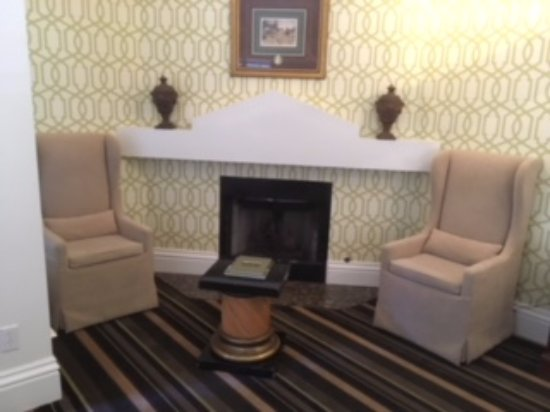 The Bergson: Fireplace in room