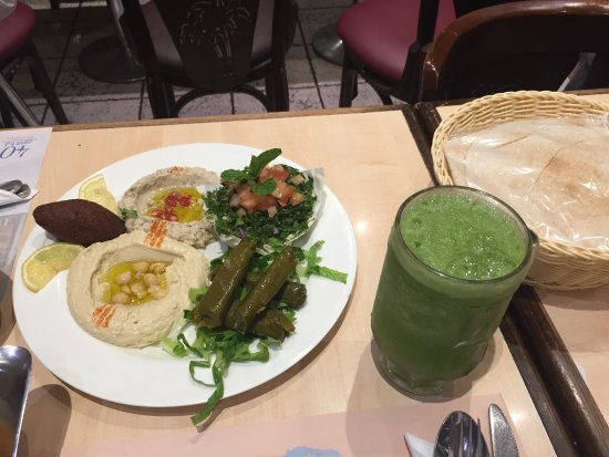 شاورما مميزة في جدة مطعم بالم بيتش أو شاطئ النخيل تعليق لـ Palm Beach وجدة المملكة العربية السعودية Tripadvisor