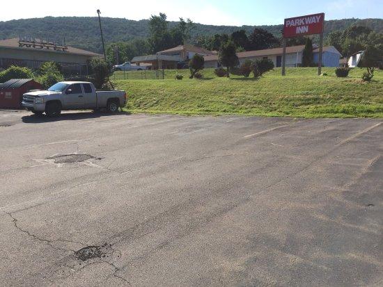Parkway Inn: Motel