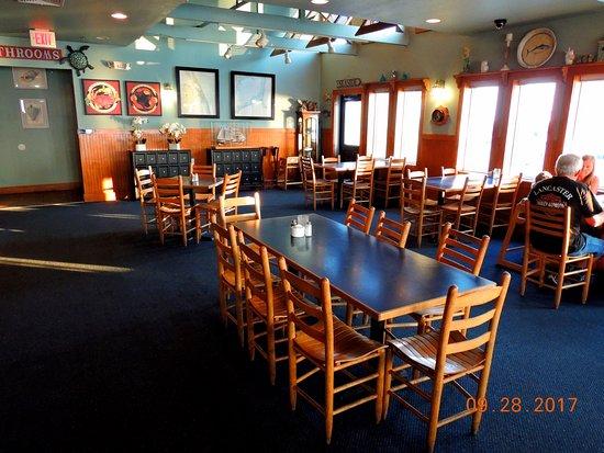 Sugar Creek Seafood Restaurant Interior
