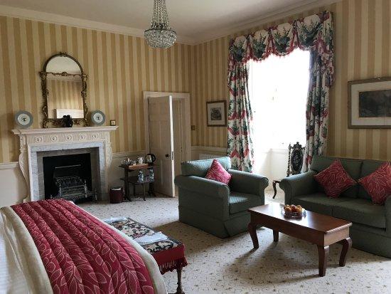 Maybole, UK: One of the 6 bedrooms