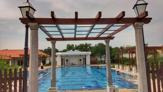 The Pool Picture Of Rkn Beach Resort Pondicherry Tripadvisor